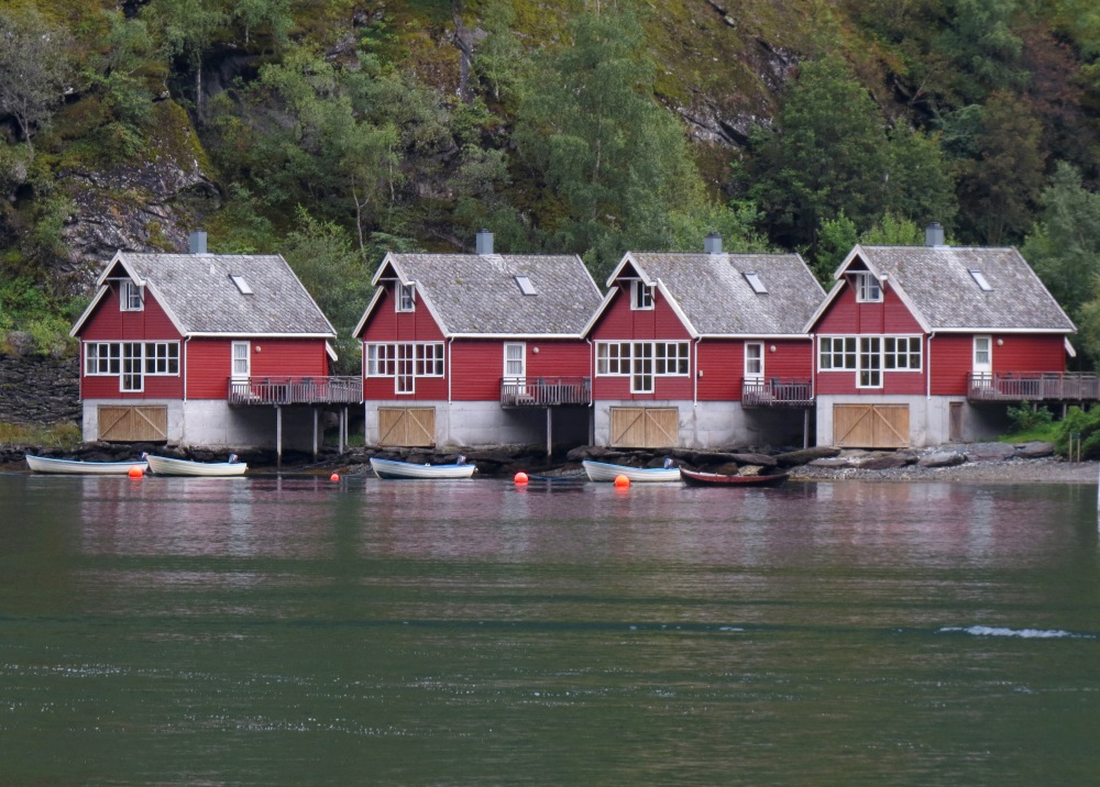 flalm boat houses